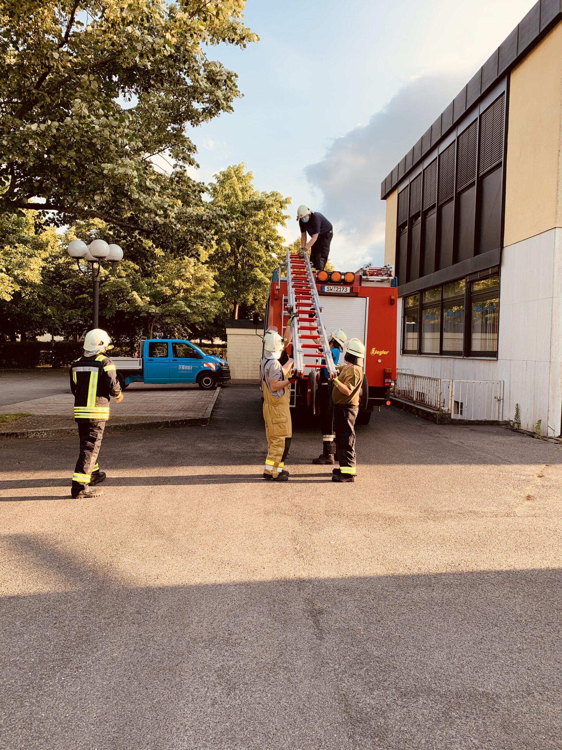 Übungsdienst – Tragbare Leitern